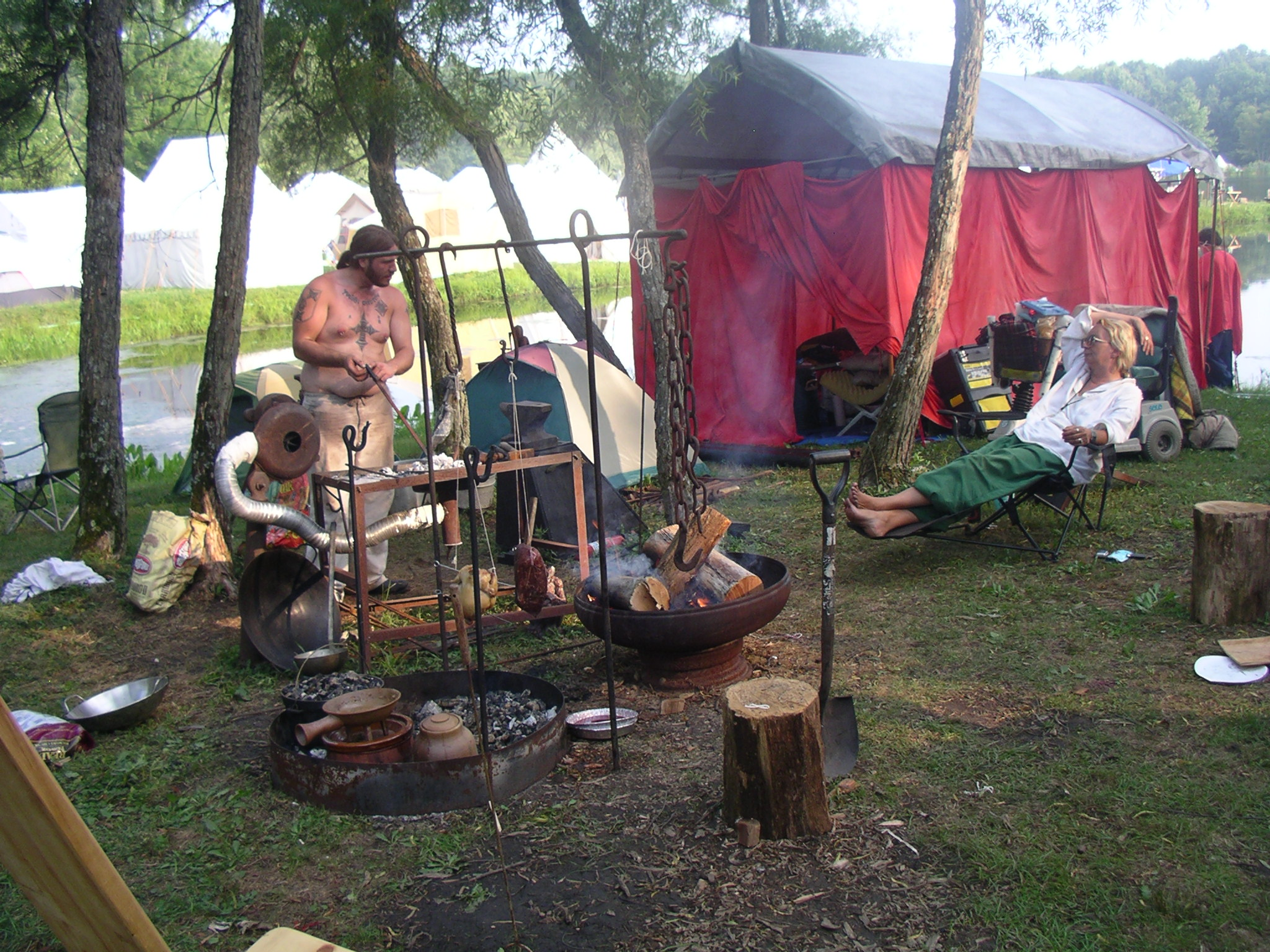 pennsic cooking over coals with pottery 2007